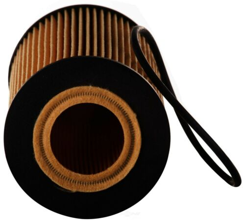 Engine Oil Filter Fits 2006-2010 Ford LCF PREMIUM GUARD