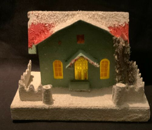 VINTAGE CHRISTMAS JAPANESE PUTZ - GREEN HOUSE WITH FENCE & LOOFAH TREE
