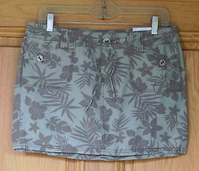 SO Ladies Size 9 Green and Brown Floral Print Mini Skirt NWT