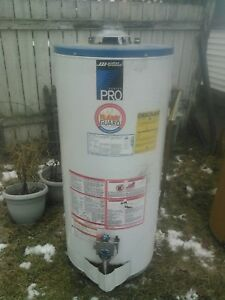 Gas Water Heater. 40 US Gallon $100