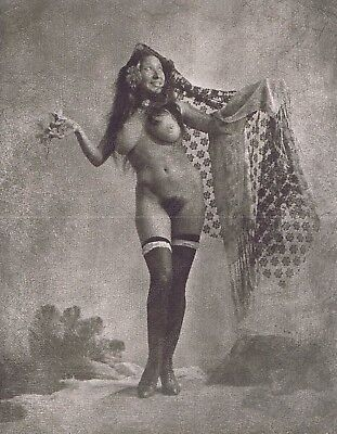 Hendrickson Original Photo B&W NUDE GYPSY w BIG BREASTS HOLDING HER SHAWL 11x14
