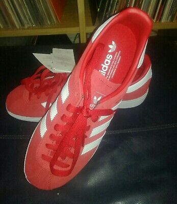 ADIDAS Munchen Red Trainers New In Box Size 7 UK Football Casual