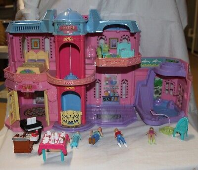 Fisher Price Sweet Streets GRAND Vacation HOTEL some furniture 4 dolls elevator