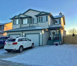 3 Bed 3 Bath upgraded duplex in Fort Sask