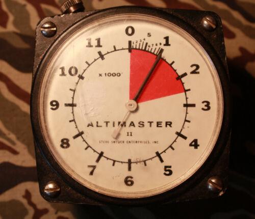 Skydiver Chest Mount Altimaster II Altimeter w/pillow - Steve Snyder Enterprises