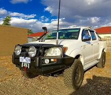 TOYOTA HILUX 06 5SPD SR 4x4 4WD SR5 OPTIONS 3.0LT TURBO DIESEL Thornbury Darebin Area Preview
