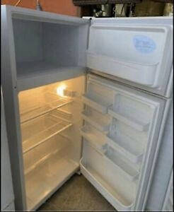 Warranty L520 Large Kelvinator Fridge Freezer