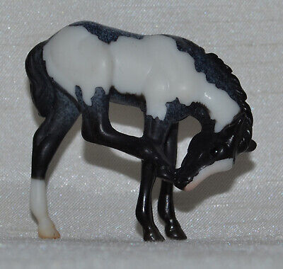 Breyer~2013-2014~Mystery Foal Surprise~Black Pinto Scratching Foal~Stablemate~Sm