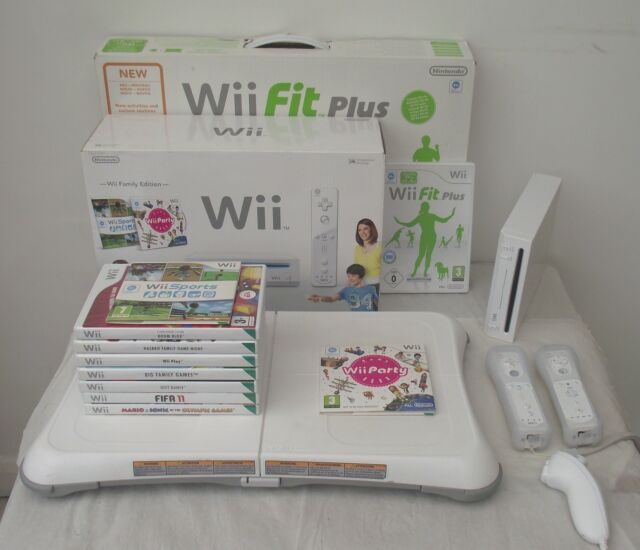 NINTENDO WII CONSOLE FAMILY EDITION+WII FIT BOARD+GAMES+A FREE YEARS WARRANTY