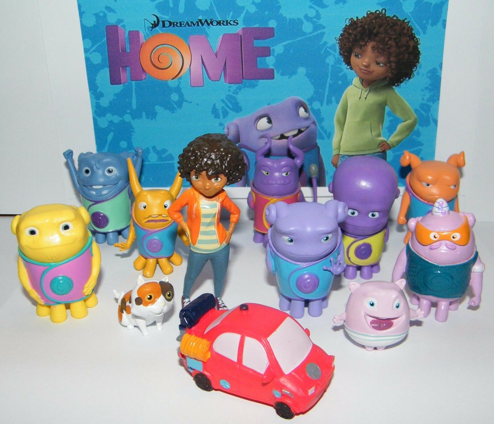 Dreamworks Home Movie Party Favors set of 13 with Kyle, Pig,