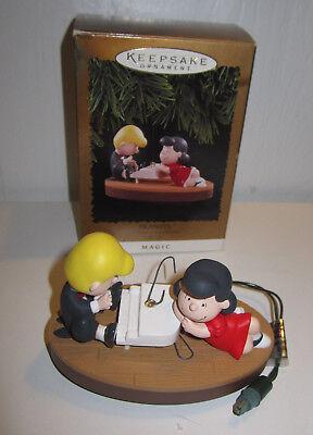 """Charlie Brown HALLMARK KEEPSAKE PEANUTS """"SCHROEDER AND LUCY"""" ORNAMENT 1996"""