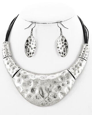 Fitbit Jewelry Set for Fitbit Flex or Flex 2 - The PERI Necklace & Earrings Set