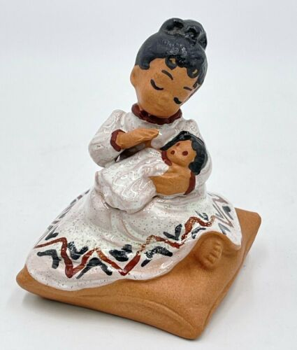 """Vintage B of Hawaii Figurine Sitting Girl w/ Baby Doll Redware Pottery 3.5"""" Mint"""