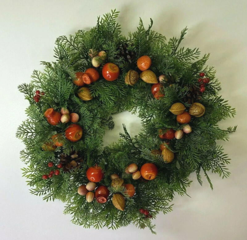 Vintage Plastic Christmas Green Red Wreath Nuts Apples Pinecones Fruit