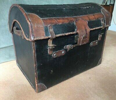 Antique steamer trunk - (Ref 20.9.014)