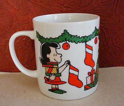 Vintage Peanuts Christmas Coffee Mug Charlie Brown Snoopy Woodstock Lucy 1965
