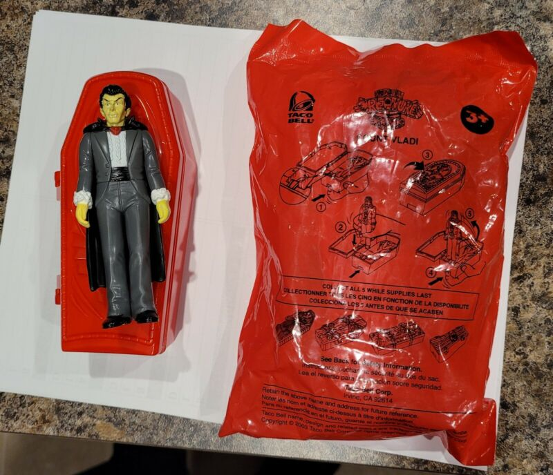 Creature Crypts Count Vladi figure mip 3.75 taco bell Dracula coffin action rare