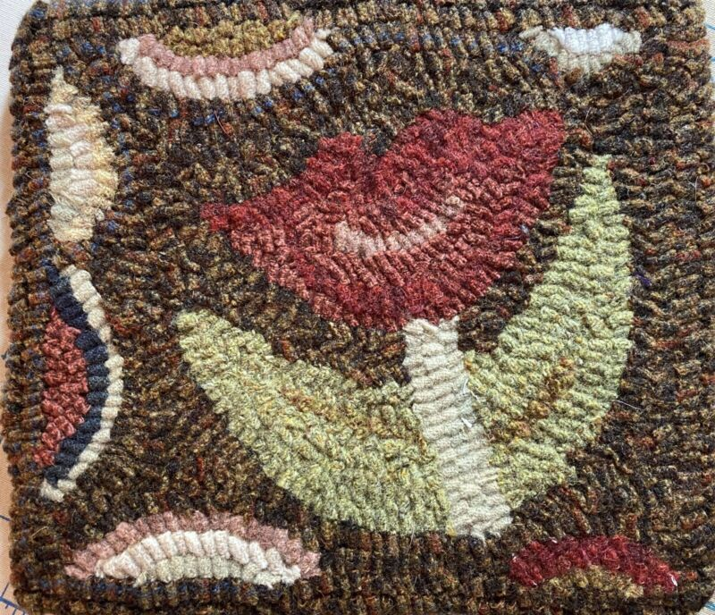 primitive hand hooked wool rugs Field Tulip By Northwest Designs