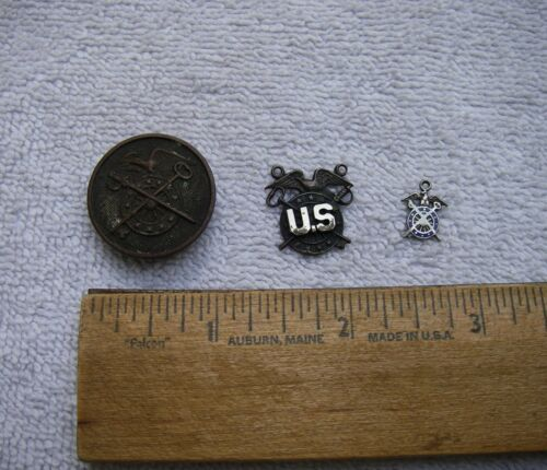 LOT: 3 Early US ARMY QUARTERMASTER CORPS Badges & Pendants-NR