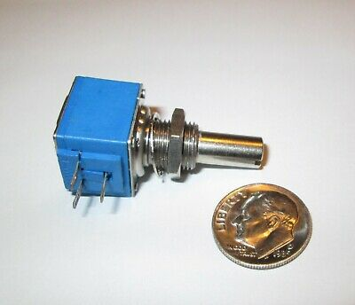 Bourns Series 82a1 250 Ohm Linear Taper Potentiometer 58 Sq. 1 Pcs Nos