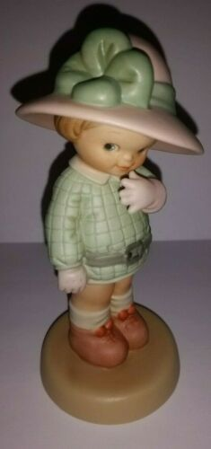 ENESCO Memories of Yesterday Figurine BLOWING A KISS TO A DEAR I MISS #S0104