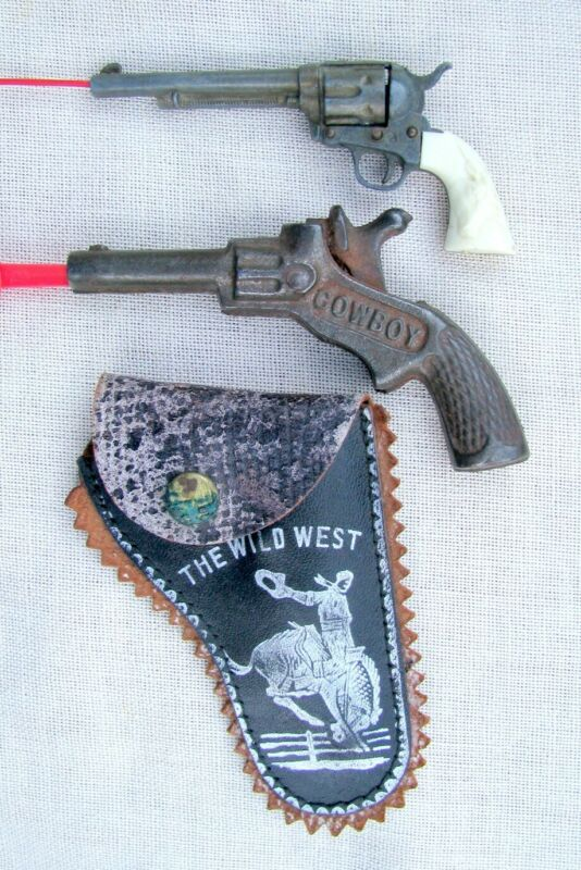 2  SMALL TOY AMERICAN OLD SINGLE SHOT COWBOY CAP PISTOLS~1 WITH HOLSTER FREE S/H