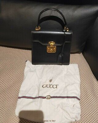 Amazing vintage GUCCI kelly bag in black with golden hardware