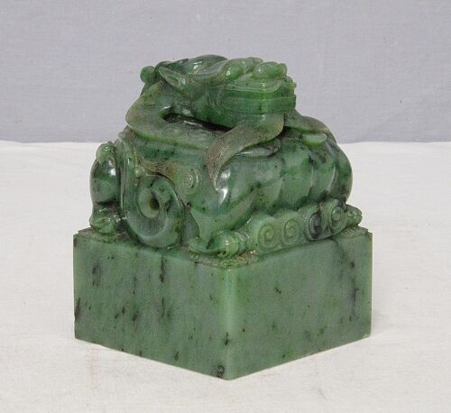 Nice  Hand  Carved  Large  Chinese  Green  Spinach  Jade  Seal      M2399