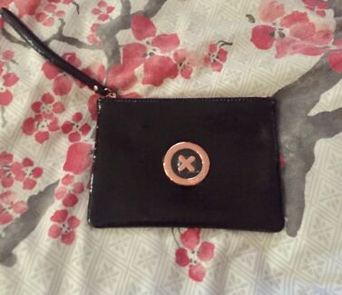 Mimco medium pouch patent black and rose gold