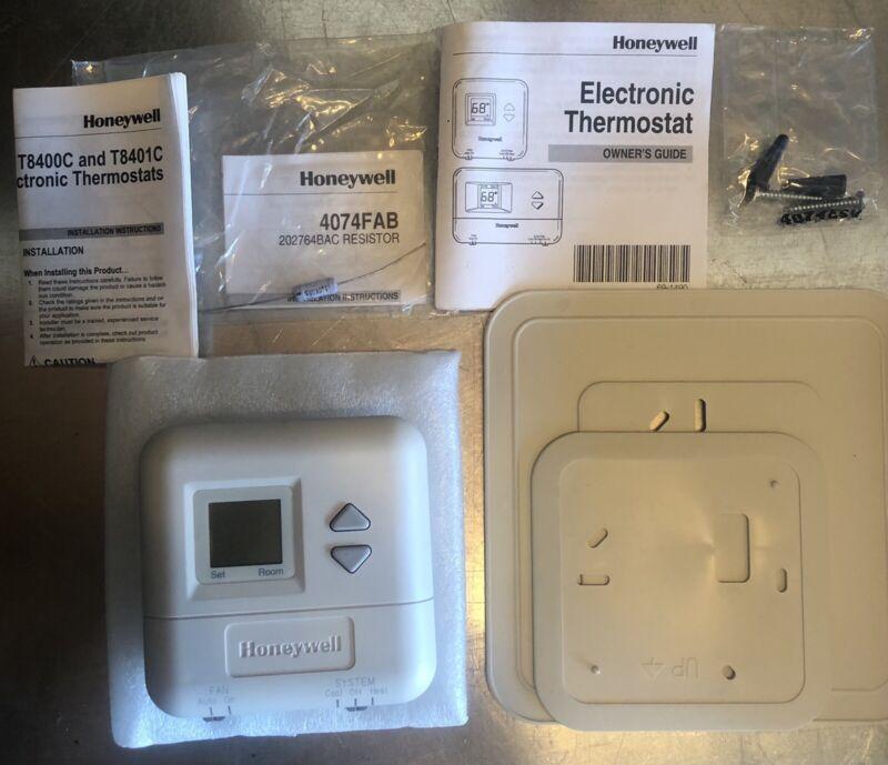T8400C 1016 Thermostat
