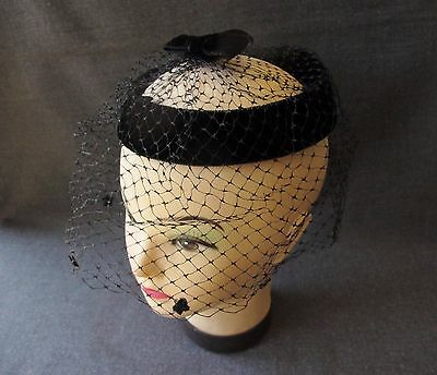 VINTAGE BLACK FLOWERS & BOW VELVET WITH NET HAT FASCINATOR