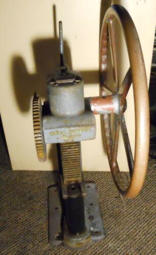 Auto-Soler Heel Wheel Shoe RepairNailer Press MachineHand Crank or die press