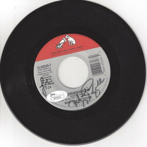 "MARTINA MCBRIDE Signed Autograph ""Independence Day"" 45 Record JSA COA"