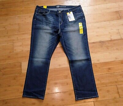 Signature by Levi Strauss & Co. Gold Label Women's Straight Jean Plus 26M 26 26 Polyester Labels