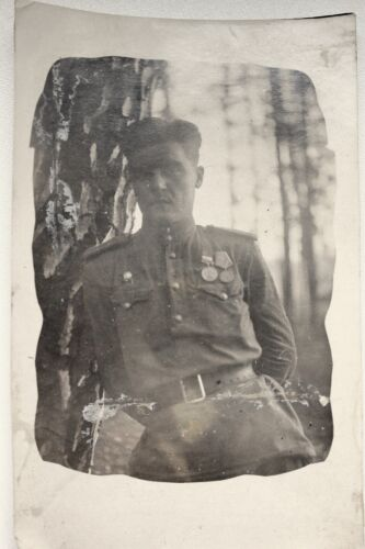 WW2 ORIGINAL RED ARMY LITHUANIAN OFFICER WITH COMBAT MEDALS AND RED STAR HONOR