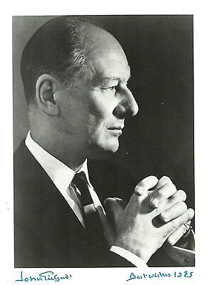 John Gielgud  Autograph , Hand Signed Photo