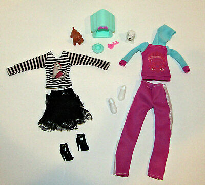 LOT/11 BARBIE DOLL OUTFITS PET ACCESSORIES Dogs House Jogging Outfit Skirt Shoes