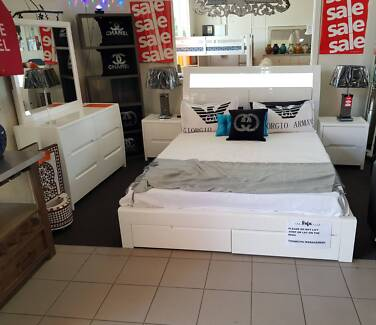 MASSIVE CLEAROUT ALL STOCK MUST GO! SIENNA QUEEN BED PACKAGE
