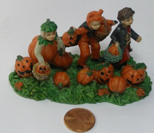 Ashland Halloween Tiny Treasures 3 Trick or Treaters no package   C11