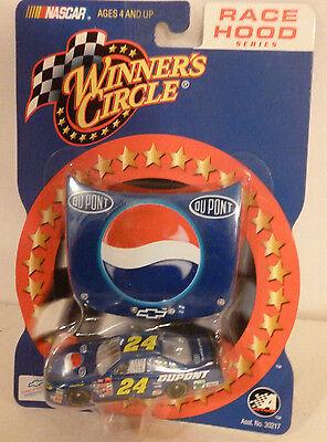 24 Jeff Gordon Pepsi   Dupont 2002 Hood Series Race Corner Winners Circle 1 64
