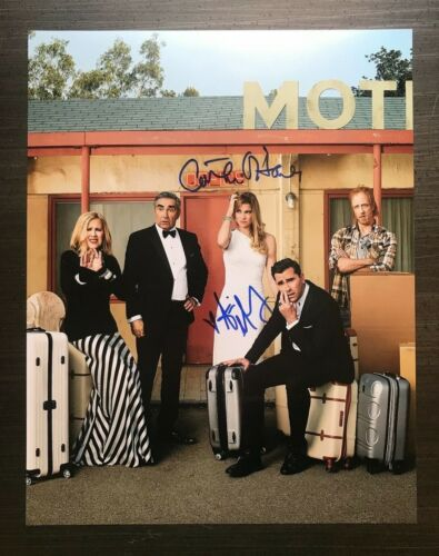 "* SCHITT""S CREEK * signed 11x14 photo * CATHERINE O'HARE & ANNIE MURPHY * 1"