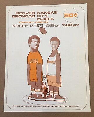 1971 NFL KANSAS CITY CHIEFS @ DENVER BRONCOS BASKETBALL PROGRAM - NOT FOOTBALL