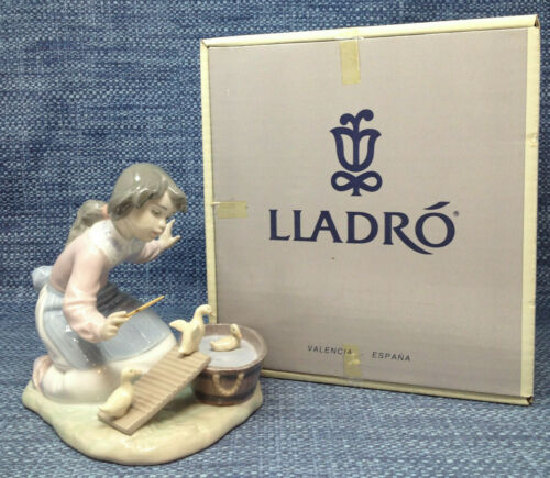 Lladro Its Your Turn 5959 Girl With Ducks Figurine Mint in Box
