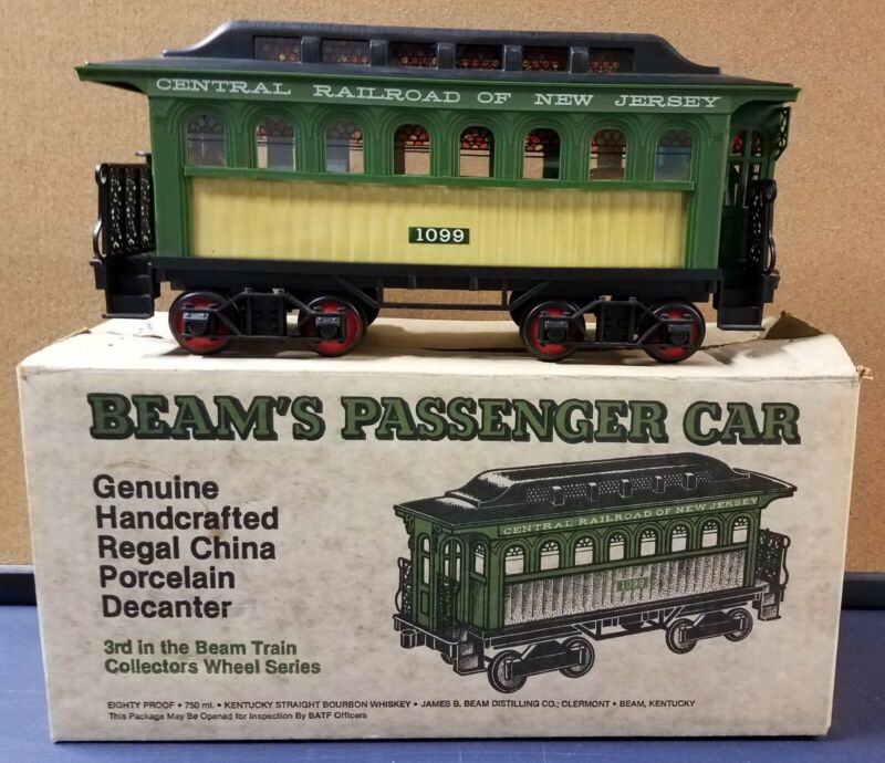 1981 Jim Beam 1099 Passenger Train Car Decanter Central Railroad Original box