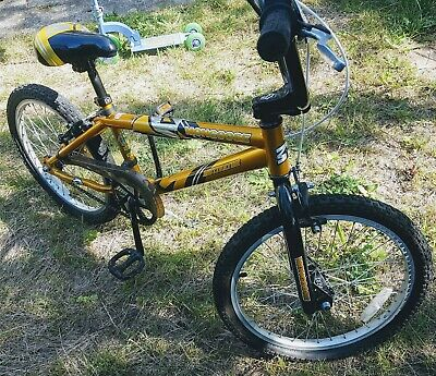 Mongoose Motivator BMX Kids Bike. Excellent Condition! ONLY USED A FEW TIMES