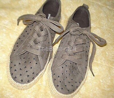 Universal Thread star cutout sneaker women's size 8 Espadrilles preowned - Star Cutout
