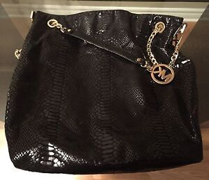 AUTHENTIC Jet Set Michael Kors purse