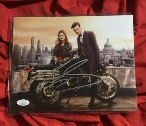 DOCTOR WHO 8X10 PHOTO~SIGNED BY MATT SMITH+JSA COA~3762~MOTORCYCLE~