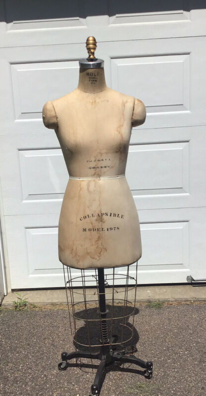 Vintage 1978 WOLF NY Model Dress Form W/ Cage 33-27-40 Mannequin Cast Iron Base