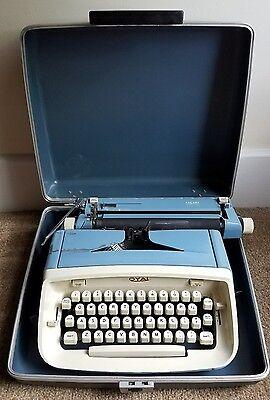 Vintage 1960's Royal Safari Portable Manual Typewriter with Blue Case